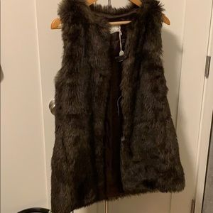 Club Monaco Women's XS faux fur brown vest